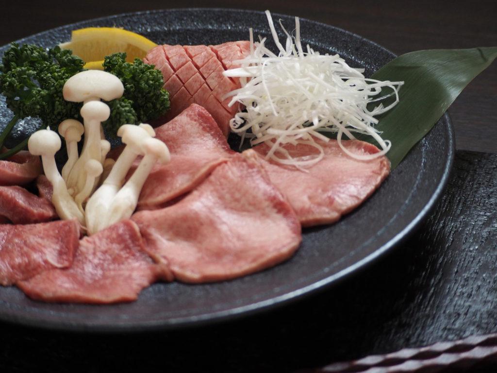 個室焼肉「囲」国産牛タン盛り合わせ